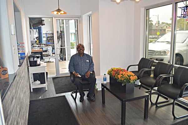The renovated customer waiting area at Auto Lab, an auto repair shop in Libertyville, IL
